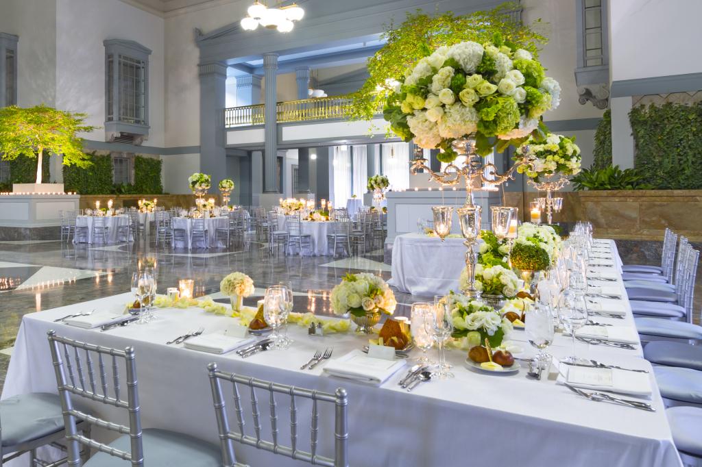 Save money on your wedding floral arrangements